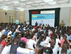 "Dai Viet Group and the workshop ""Sell Yourself"" with students of Vietnam University of Commerce"