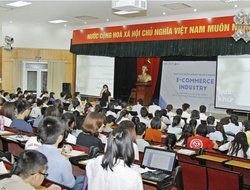 Dai Viet Group supports students to accelerate successfully in the e-commerce industry
