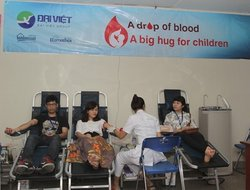 "Dai Viet Foundation: ""A Drop of Blood – An Act of Kindness"""