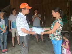 Dai Viet Foundation Shares its Love with Quang Binh in flood season