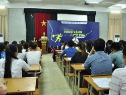"Dai Viet accompanies students in their ""Thorough preparation – Ready to breakthrough"""