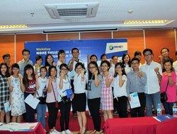 """Sinh viên hào hứng với workshop """"Nghệ thuật đàm phán bán hàng qua điện thoại"""" của Tập đoàn Đại Việt"""
