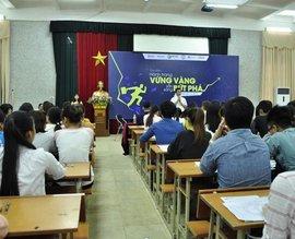 "Dai Viet accompanies students in their ""Thorough preparation – Ready to breakthrough"""