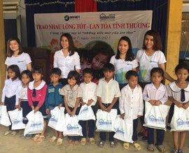 Hành trình mang Trái tim Đại Việt đến với trẻ thơ 2017