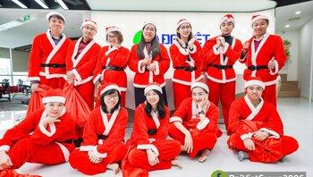 """""""Giáng Sinh Ωm"""" - kích hoạt luồng điện yêu thương của Đại Việt Group"""